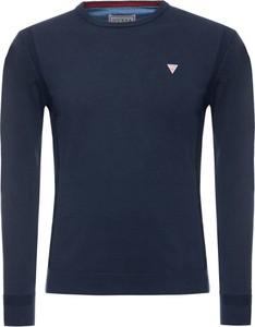 Niebieski sweter Guess w stylu casual