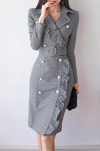 Sukienka IVET w stylu casual z dekoltem w kształcie litery v midi