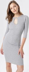 Sukienka born2be mini dopasowana w stylu casual