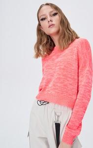 Różowy sweter Sinsay w stylu casual