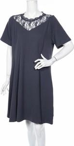 Granatowa sukienka Junarose z krótkim rękawem z okrągłym dekoltem w stylu casual