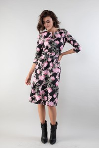 Sukienka Nommo prosta z długim rękawem