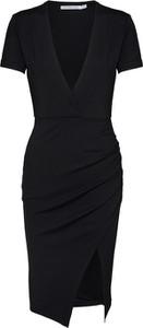 Czarna sukienka Ivyrevel z krótkim rękawem mini
