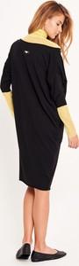 Czarna sukienka Byinsomnia z dekoltem w łódkę midi z bawełny