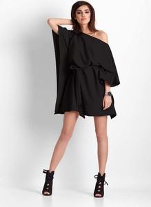 Sukienka Ivon mini w stylu casual z długim rękawem
