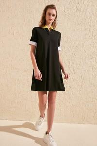 Sukienka Trendyol mini z krótkim rękawem