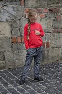 Czerwona bluzka dziecięca M-art-a-baby z dzianiny