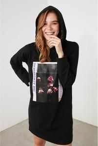 Czarna sukienka Trendyol w stylu casual