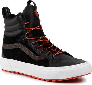 Czarne buty zimowe Vans sznurowane