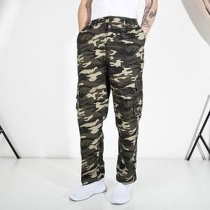 Zielone spodnie sportowe Royalfashion.pl z dresówki w militarnym stylu