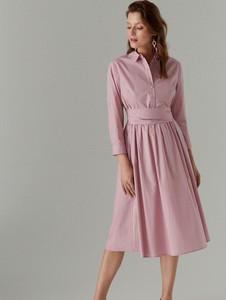 Różowa sukienka Mohito z bawełny
