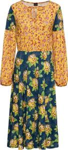 Sukienka bonprix BODYFLIRT rozkloszowana ze sznurowanym dekoltem z długim rękawem