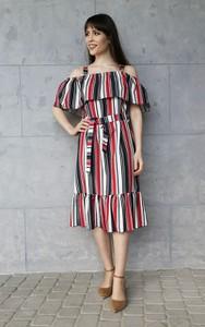 Sukienka Sklepfilloo hiszpanka midi z krótkim rękawem