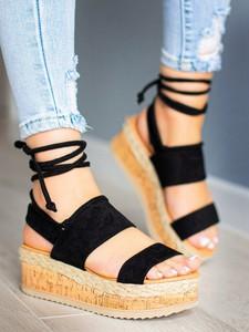 Sandały sklep-szpilka24 z klamrami