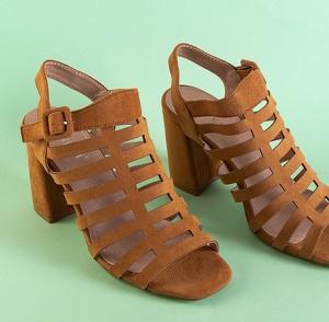 Brązowe sandały Royalfashion.pl z klamrami na obcasie na wysokim obcasie