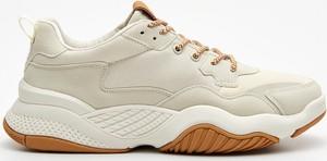 Buty sportowe Cropp sznurowane z płaską podeszwą