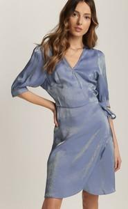 Niebieska sukienka Renee z dekoltem w kształcie litery v w stylu casual