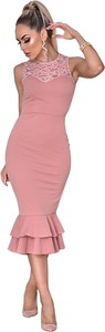 Różowa sukienka Catwalk