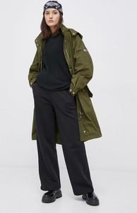 Zielona kurtka Tommy Jeans w stylu casual długa