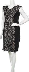 Sukienka Kasper z dekoltem w kształcie litery v bez rękawów