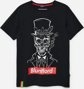 Czarny t-shirt Cropp z bawełny