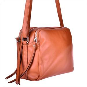 e42e97f2d2e06 czy lakierowane torebki są modne - stylowo i modnie z Allani