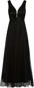 Czarna sukienka Apart z dekoltem w kształcie litery v
