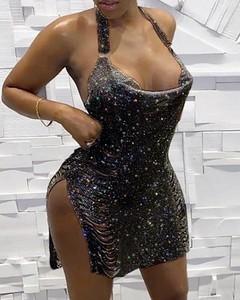 Sukienka Kendallme dopasowana z dekoltem w kształcie litery v