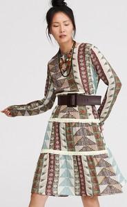 Sukienka Reserved trapezowa w stylu casual z długim rękawem