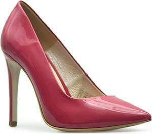 Czerwone szpilki Baldaccini w stylu klasycznym ze skóry