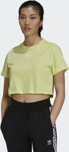 Zielony t-shirt Adidas z krótkim rękawem z dresówki z okrągłym dekoltem