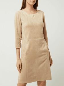 Sukienka Betty Barclay prosta z okrągłym dekoltem w stylu casual