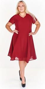 Czerwona sukienka Fokus z szyfonu trapezowa midi