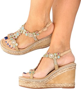 Sandały Alma en Pena z klamrami