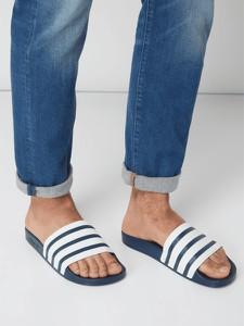 Granatowe buty letnie męskie Adidas Originals w sportowym stylu
