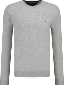 Sweter Tommy Hilfiger w stylu casual z jedwabiu