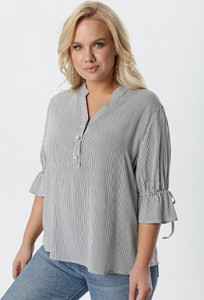 Bluzka born2be w stylu casual z długim rękawem z dekoltem w kształcie litery v