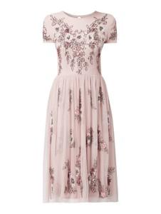 Sukienka Lace & Beads z okrągłym dekoltem rozkloszowana w stylu glamour