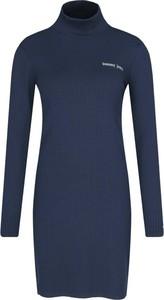 Niebieska sukienka Tommy Jeans mini w stylu casual