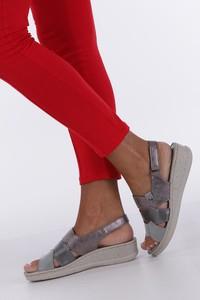Sandały Casu na rzepy na koturnie w stylu casual