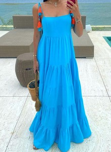 Niebieska sukienka Sandbella na ramiączkach z dekoltem w kształcie litery v maxi