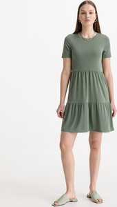 Zielona sukienka Vero Moda z okrągłym dekoltem