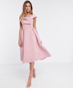 Różowa sukienka Asos midi