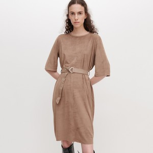 Sukienka Reserved z zamszu z długim rękawem midi