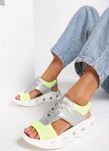 Srebrne sandały Renee sznurowane na niskim obcasie