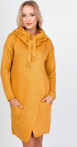 Żółty sweter ZOiO.pl w stylu casual z wełny