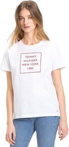 T-shirt Tommy Hilfiger w młodzieżowym stylu z krótkim rękawem z okrągłym dekoltem