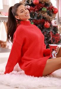 Czerwona sukienka IVET w stylu casual z dresówki mini