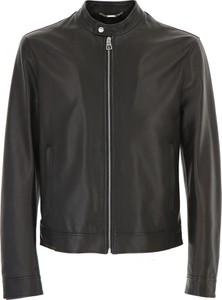 Brązowa kurtka Versace w rockowym stylu