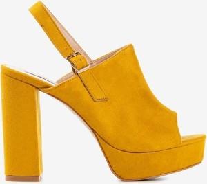 Żółte sandały Royalfashion.pl na obcasie na wysokim obcasie